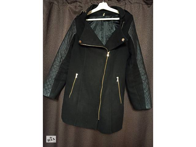 купить бу Черное весеннее пальто 48 в Хмельницком