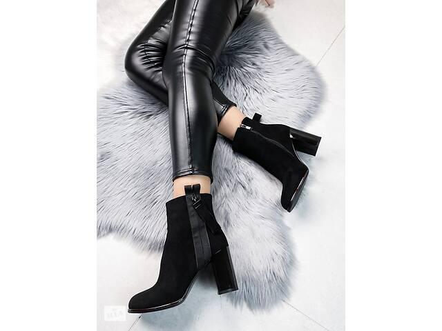 Демисезонные ботинки на каблуке, с замком 38,40р- объявление о продаже  в Ровно