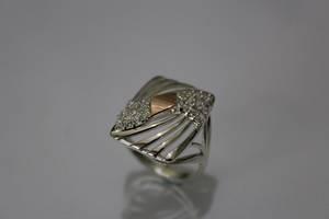 Кільце срібло з вставкою із золота і фіанітами