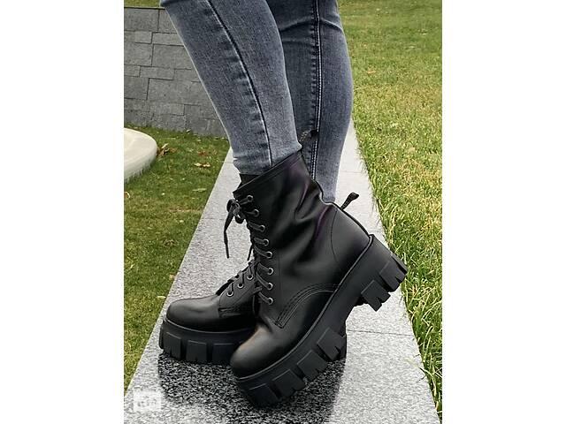 купить бу ТОЛЬКО 40р. Кожаные демисезонные женские ботинки в стиле Prada 40р-25,5 см в Ровно