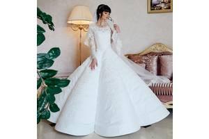 МИНИАТЮРНОЕ свадебное платье 38-40 размер