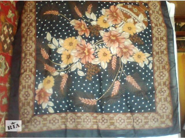продам Платок женский головной черный с цветами бу в Полтаве