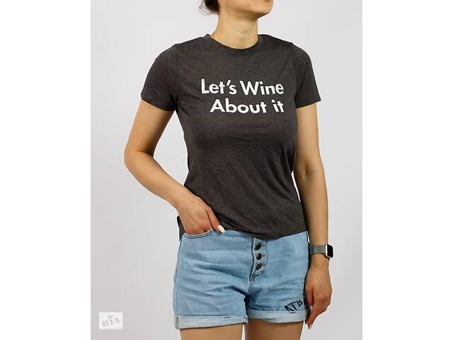 купить бу Повседневная женская футболка темно-серая с надписью Mod Errn Lux (США) Размеры: S в Ивано-Франковске
