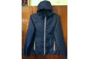 Практична куртка вітровка дощовик розмір 48-50.