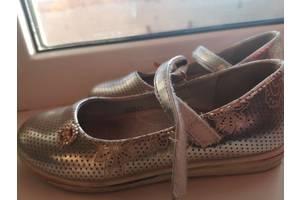 Серебристые туфельки 30 р.