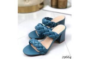 Шльопанці на стійкому каблуці з плетеними лямками блакитні 36-40р