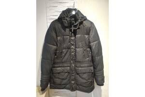 Тепла куртка на синтепоні з капюшоном, в ідеальному стані, розмір L, зріст 176-182 см