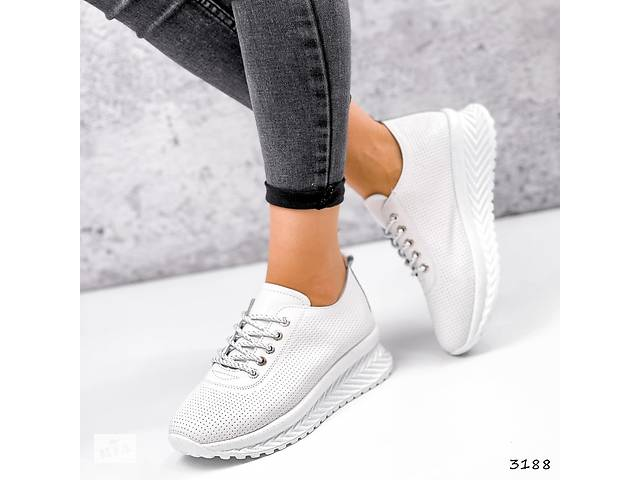 купить бу Белые кожаные женские кроссовки с перфорацией, кожаные кроссовки Morus 36-41р код 3188 в Рівному