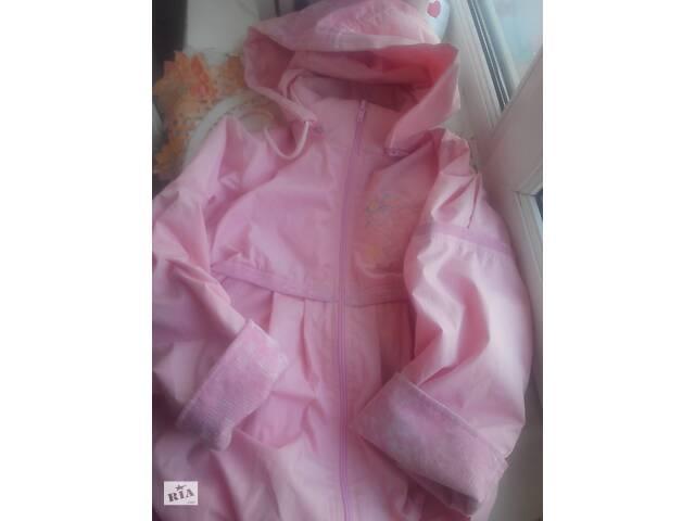 продам ветровка девочке на 6-7 лет. р.116-122 бу в Житомире