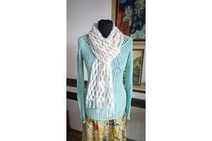 Вязаный шарф женский ажурный молочного цвета