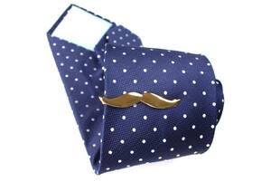 Зажим для галстука в виде мужских усов