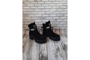 Женские кожаные ботинки 00625
