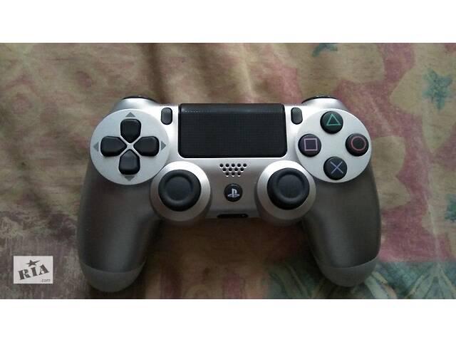 продам DualShock 4 V2 Silver ігровий контролер бу в Жовтих Водах