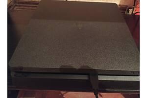 Консоль Sony Playstation 4