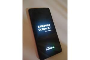 Продам телефон Samsung Galaxy A7 2018 Gold