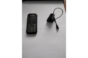 Телефон Samsung SM-B550H