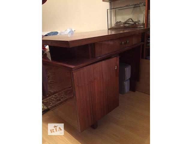добротный массивный письменный стол в отличном состоянии- объявление о продаже  в Ивано-Франковске