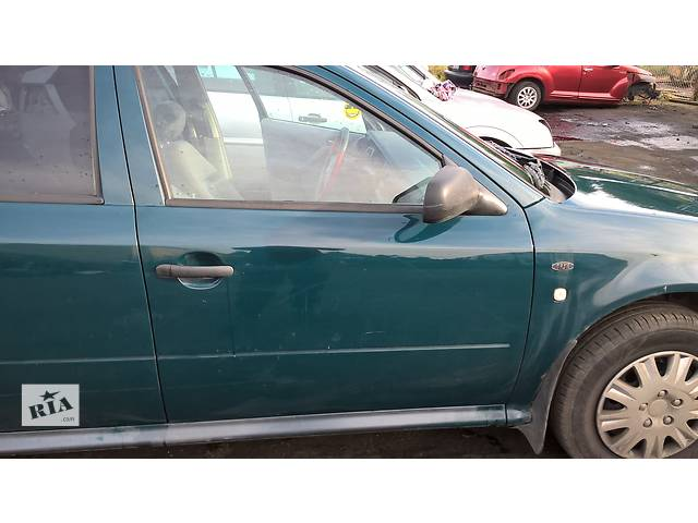 бу  Дверь передняя для легкового авто Skoda Octavia Tour в Львове