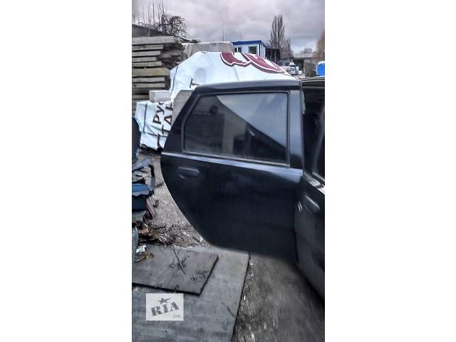 купить бу Дверь задняя правая для хэтчбека Fiat Punto в Киеве
