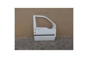 Двері передні праві білі Форд Коннект
