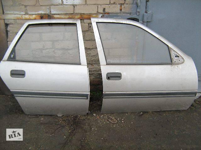 купить бу Двери/багажник и компоненты Дверь передняя Легковой Opel Vectra A в Токмаке