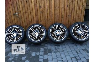 Новые диски с шинами Porsche Macan