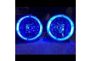Фары на ВАЗ 2106 с ангельскими глазками синего цвета.