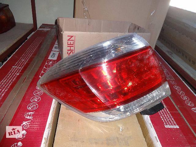 купить бу фонарь задний для Toyota Highlander, 2012 в Львове