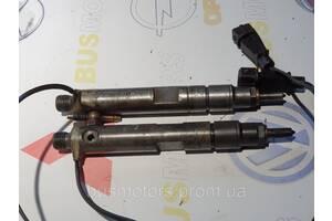 Форсунка дизельная управляемая (центральная) Volkswagen Lt28-46 2.5 tdi (1996-2006) - 074130202D