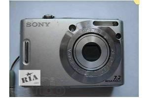 б/в Цифрові фотоапарати
