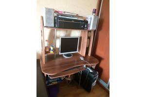 б/в Комп'ютерні столи