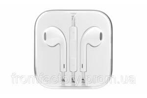 Наушники EarPods с пультом дистанционного управления и микрофоном