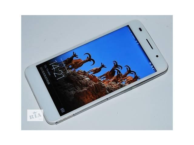 купить бу В наличии белого цвета распродажа на складе  4 шт осталось!  Основой смартфона стал процессор 8 ЯДЕР, и 3 ГБ оперативной памяти (смотрите фото) что вместе показывает очень мощьную производительность, и обеспечивает комфортное пользование смартфоном. несмотря на то что смартфон копия -он так же работает на фирменной оболочке Huawei Emotion UI и поддерживает все сервисы Huawei. Производитель HUAWEI Тип SIM-карты:Micro-SIM Высокоскоростная передача данных GPRS/EDGE,3G Количество SIM-карт 2 Операционная система Android 4.4 (KitKat) + Huawei Emotion UI 2.3 Оперативная память, ГБ 3 Встроенная память, ГБ 8 Слот расширения microSD/SDHC/SDXC (до 64 ГБ) Размеры, мм 139,6x69,7x7,5 Вес, г 130 Аккумуляторная батарея 3100 мАч Экран Диагональ, дюймы 5 Разрешение 1270*720 Тип матрицы IPS PPI 445 Датчик регулировки яркости есть Сенсорный экран (тип) + (емкостный) Другое 16 млн. цветов, защитное стекло Характеристики процессора Процессор МТК 6582, 8 ЯДЕР 1.7 ГГЦ Частота, ГГц 1,3 - 1,7 Камеры: Фронтальная камера:5 Мп Основная камера:13 Мп Видеосъемка 1920х1080 точек, 30 к/с Вспышка двойная светодиодная  Другое цифровой зум, видеосъемка фронтальной камерой 720р Коммуникации Wi-Fi 802.11 b/g/n, Wi-Fi Direct, Wi-Fi Hotspot, WiFi Display Bluetooth 4.0 (A2DP) GPS Интерфейсный разъем USB 2.0 (micro-USB) Дополнительно Аудиоразъем 3,5 мм MP3 плеер есть FM-радио есть  Еще: датчики приближения и освещения акселерометр цифровой компас приемник А-GPS виброзвонок поддержка DLNA Комплектация: Мобильный телефон Huawei Honor Pro  адаптер питания 220V, USB кабель для передачи данных наушники, упаковка Доставка новой почтой оплата при получении в Киеве