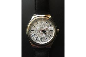 б/у Наручные часы женские Swatch