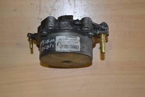 Б/у вакуумный насос для Opel Signum 1.9 CDTI 2004-... 55205446