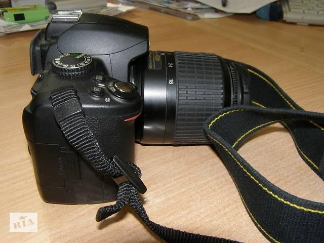 купить бу Фотоапарат Nikon D3000 в Чернівцях