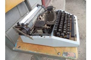Продам печатающую машинку Москва