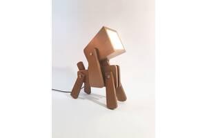 Деревянный настольный светильник