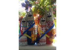 Коты обнимашки в украинских костюмах