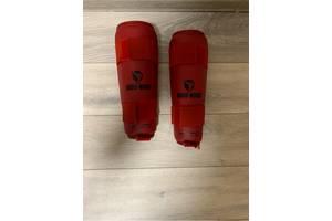 Щитки для каратэ красные Budo Nord