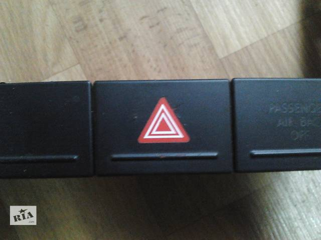 Кнопка аварийной сигнализации Volkswagen Touareg Фольксваген Туарег 2003г-2009г- объявление о продаже  в Ровно