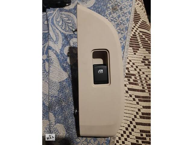 купить бу Кнопка стеклоподъемника одиночная для Subaru Legacy BN/B15 15-19 в Черкассах
