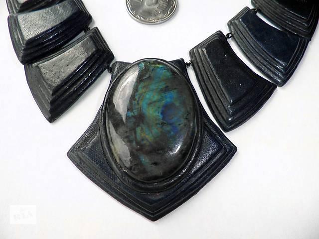 продам Кожа.Браслет.Ожерелье.Кожаный.Вставки лабрадор.1994г. бу в Киеве