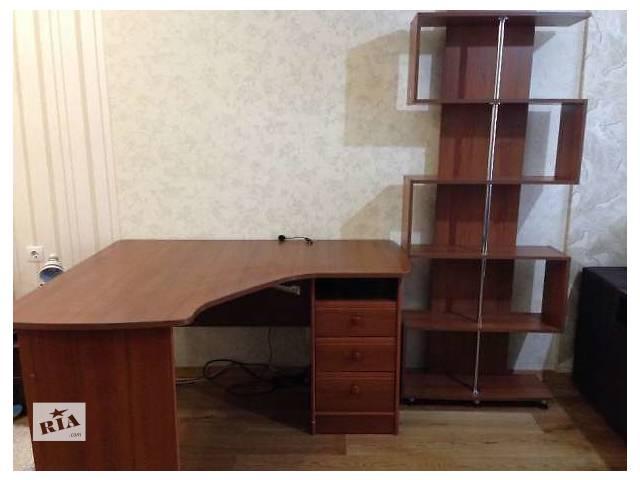 купить бу Компьютерный стол + книжная полка (цв. орех) в Киеве
