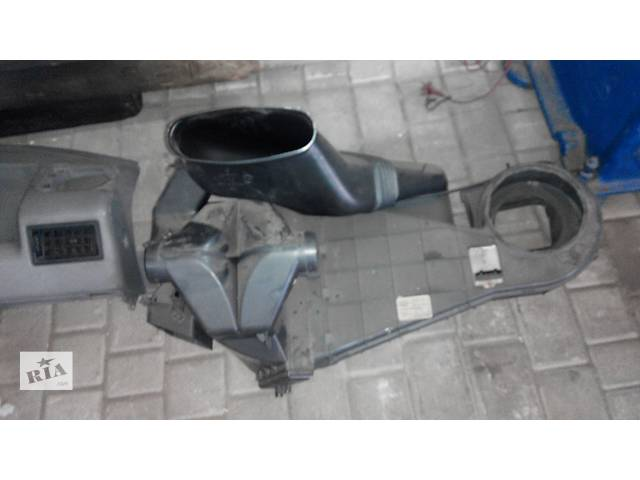 купить бу Корпус печки Volkswagen Caravella Фольсваген Т 4 (Транспортер, Каравелла) в Ровно