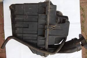 Корпус воздушного фильтра для Ford Scorpio 1998рв на форд скорпио мотор 2.0 бензин цена 750гр не битый не клеїний