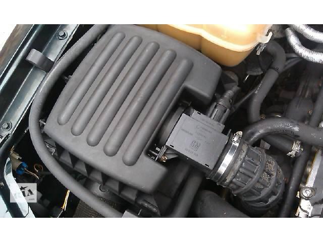 бу  Корпус воздушного фильтра для легкового авто Opel Omega B в Костополе
