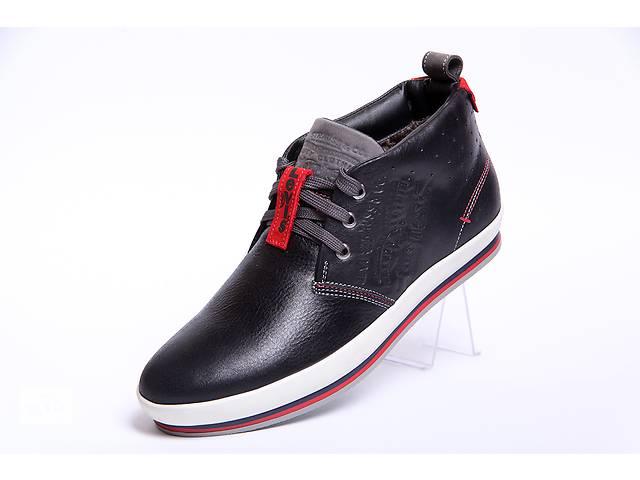продам Кожаные зимние ботинки Levis 34-01 черные бу в Вознесенске