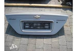 Крышки багажника Chevrolet Evanda
