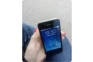Нові Сенсорні мобільні телефони Apple Apple iPhone 4